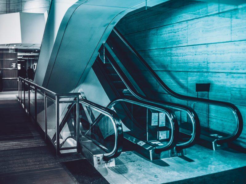 escalator-5196672
